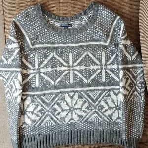 American Eagle Outfitters sweater, M